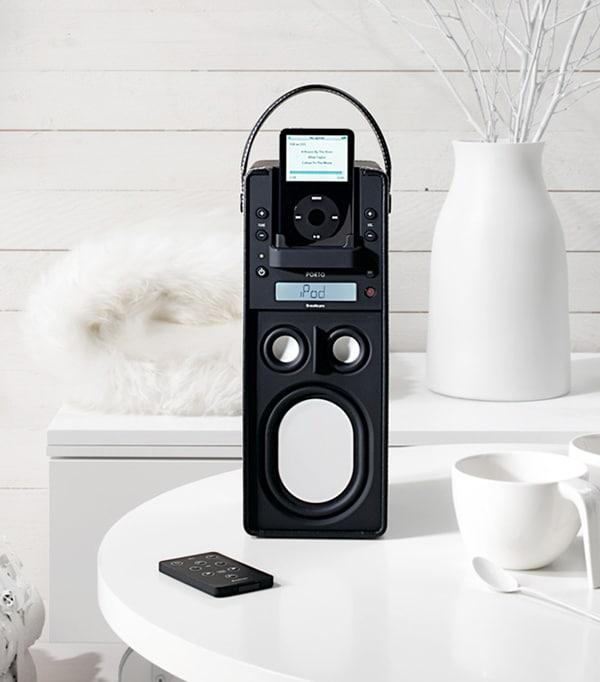 Porto – Portable iPod docking speaker with radio