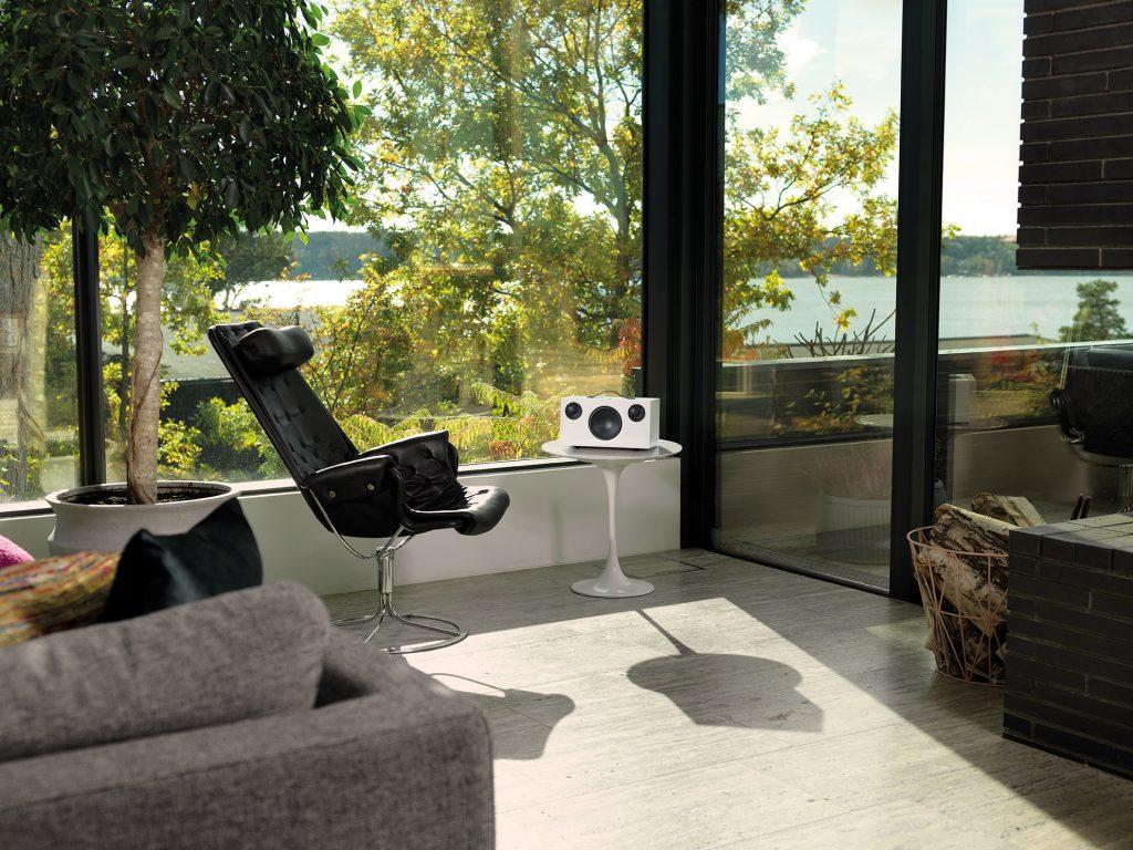 C10 White2 Livingroom 01