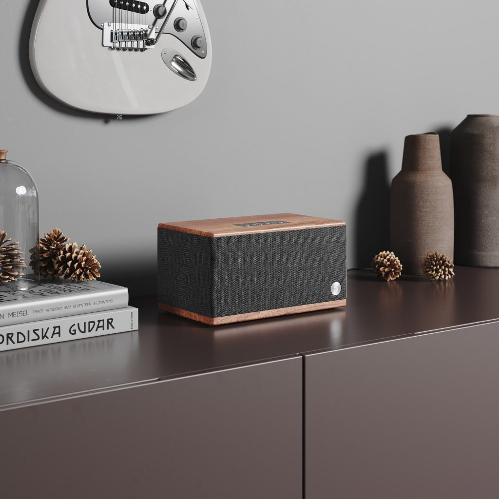 wireless bluetooth speaker BT5 walnut lifestyle01 AudioPro
