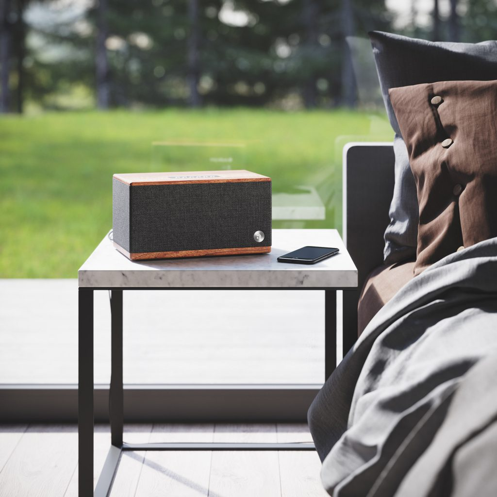 wireless bluetooth speaker BT5 walnut lifestyle03 AudioPro
