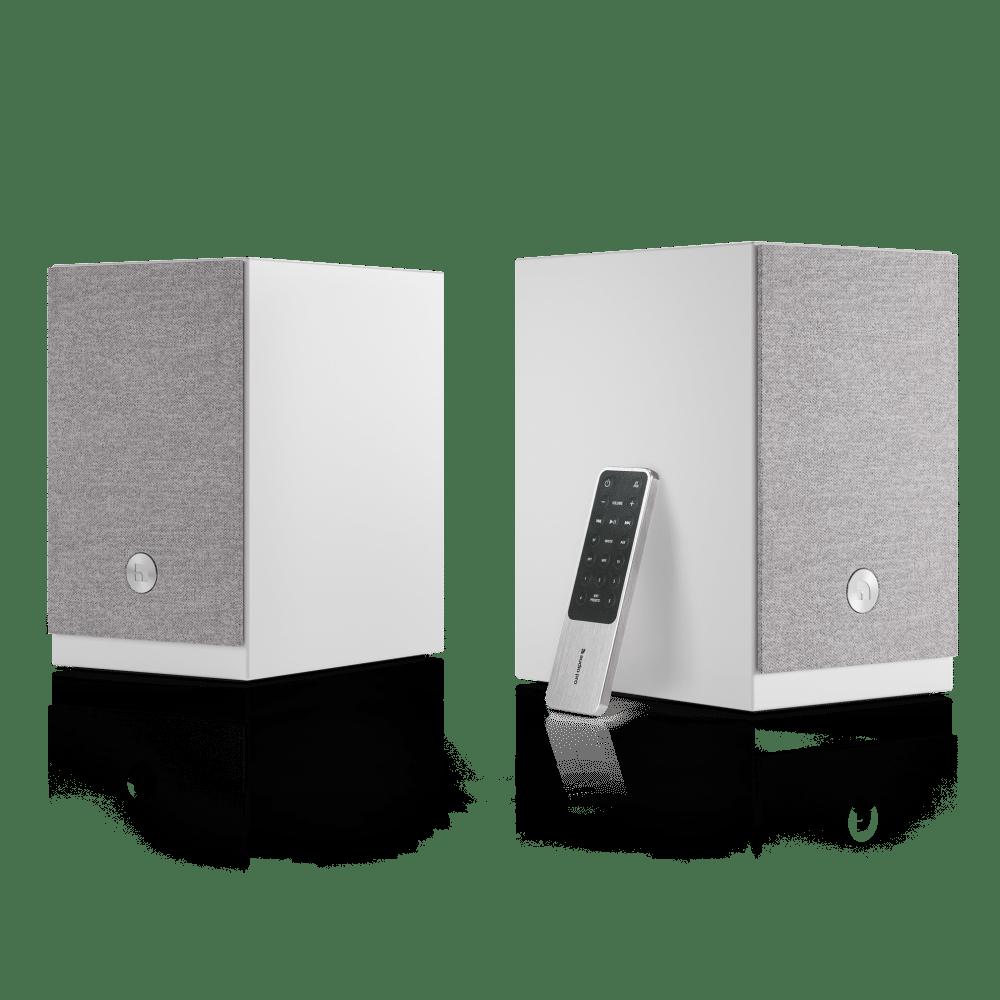 wireless-multiroom-speaker-A26-white-angle1-remote-AudioPro