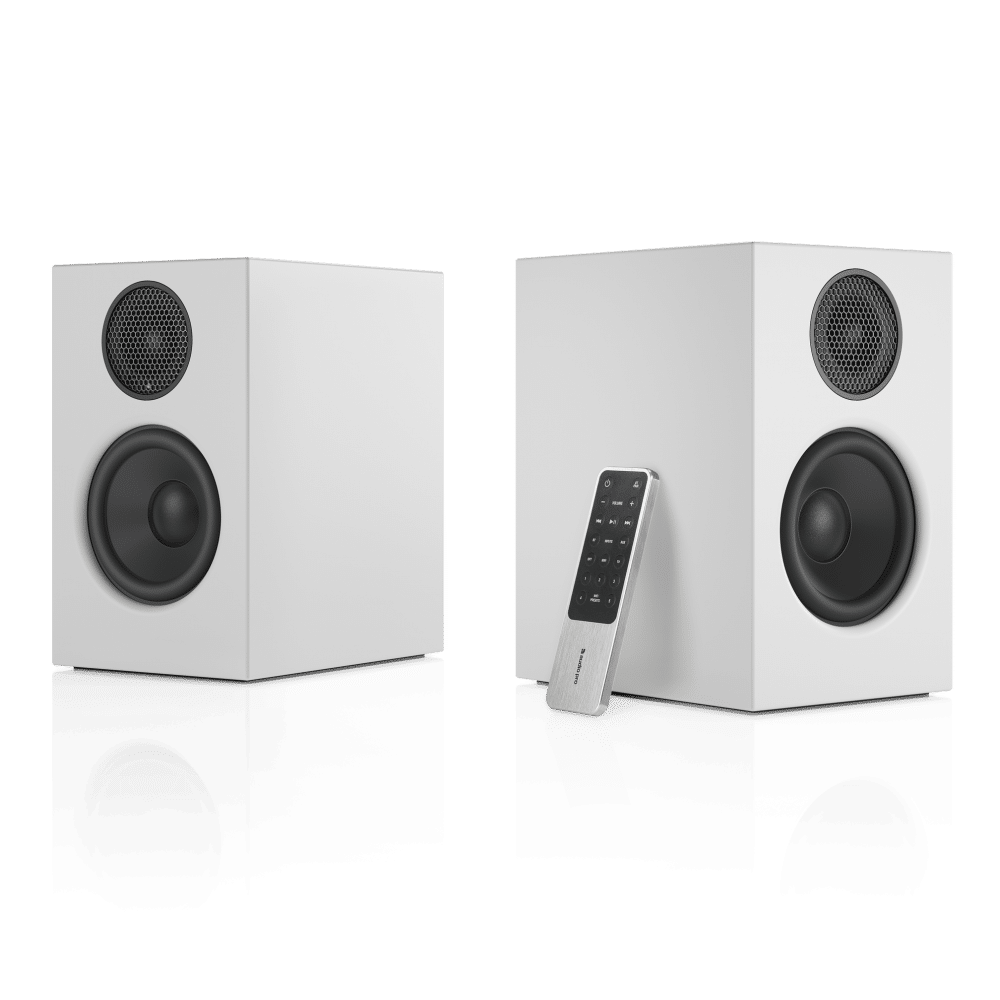wireless-multiroom-speaker-A26-white-angle1-remote-nofront-AudioPro